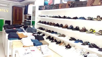 Sang mặt băng shop thời trang Quận 1