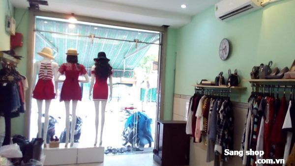 Sang Shop nằm ở mặt tiền đường Tạ Quang Bửu,