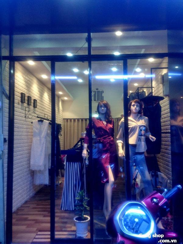 Sang shop thời trang hoặc sang mặt bằng