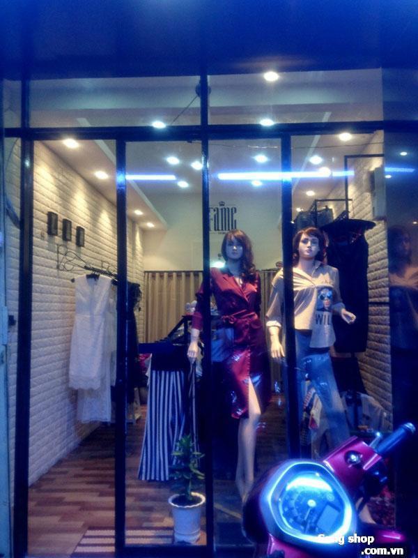 ang shop thời trang hoặc sang mặt bằng