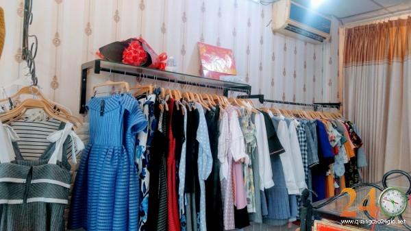Cần sang gấp shop thời trang Joli House.