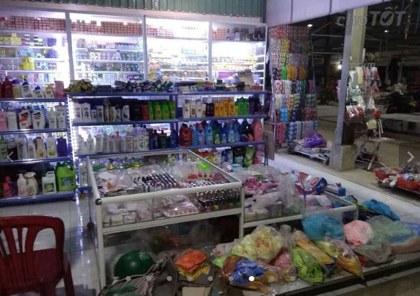 Sang shop mỹ phẩm độc quyền trong chợ lâm phát