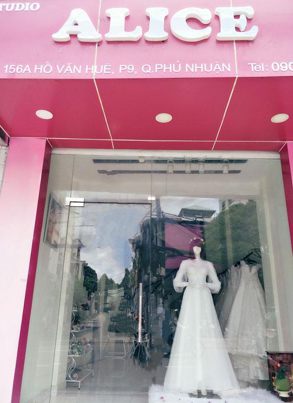 Sang studio áo cưới mặt tiền đường Hồ Văn Huê