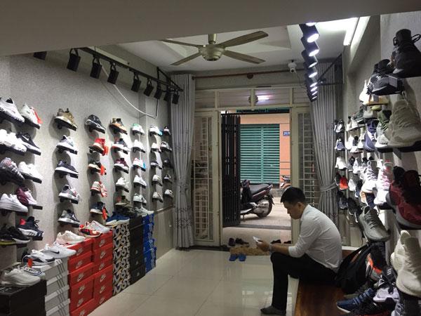 Cần sang nhượng shop giày thời trang nam nữ
