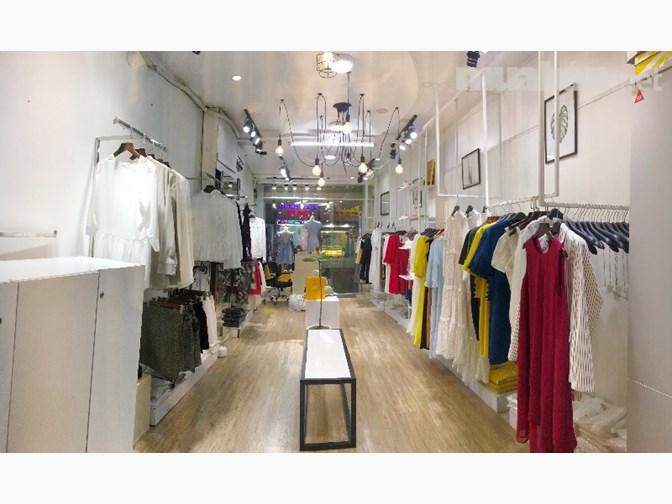 Sang shop thời trang mặt tiền Phan Đình Phùng