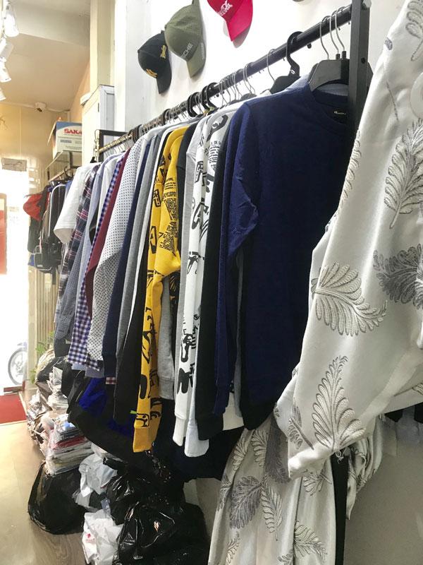 Sang mặt bằng shop quần áo nam nhà nguyên căn