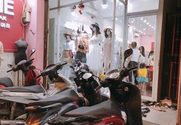 Cần sang gấp shop thời trang nữ