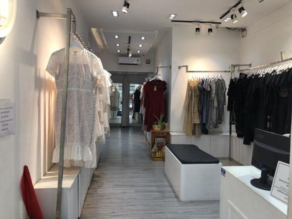 Cần sang shop đường Nguyễn Trãi
