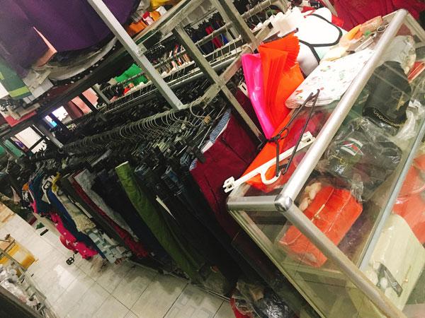 Cần sang gấp Shop thời trang đang kinh doanh rất tốt