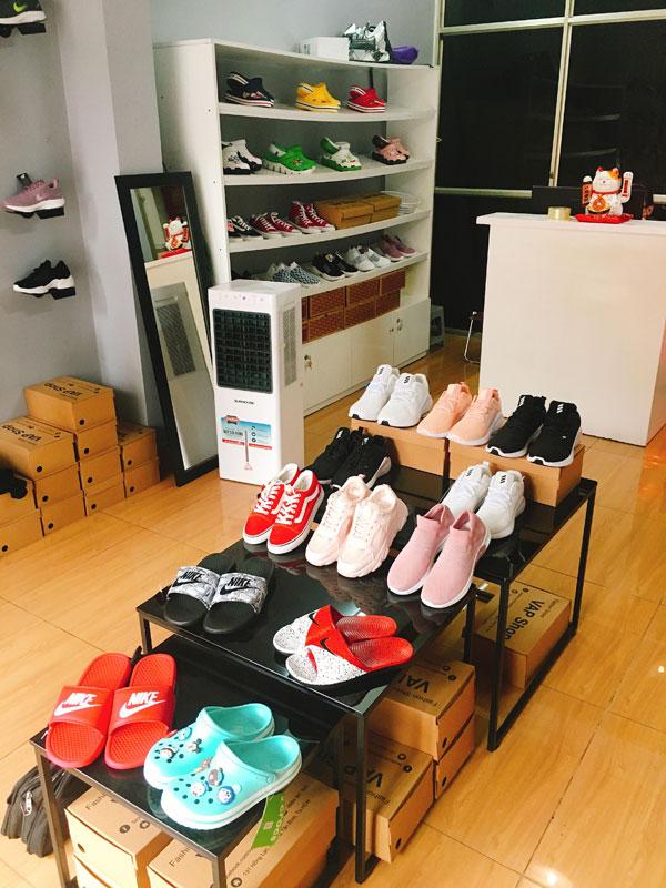 Sang Shop Giày , MT 131 Hồng Lạc , F.10 , Tân Bình