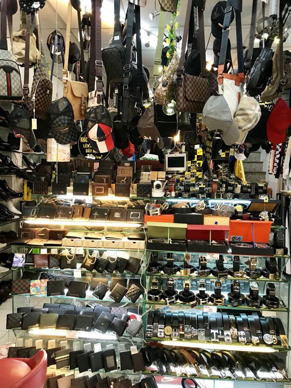 Sang Shop 318B Cách Mạng Tháng 8, P. 10, Q.3