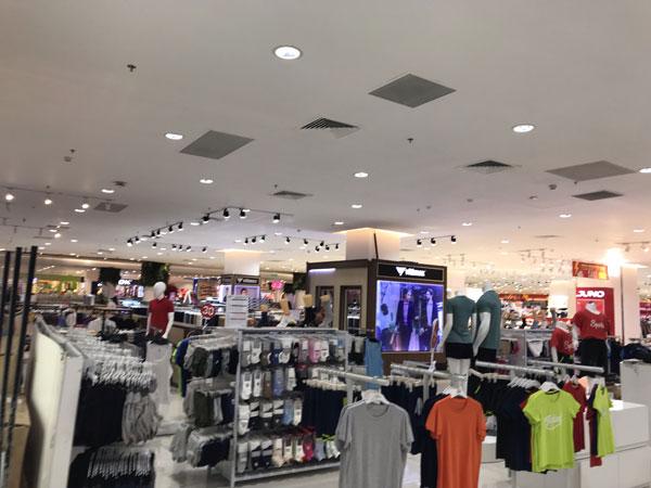 Sang cửa hàng quần áo thời trang nữ trong TTTM Gigamall