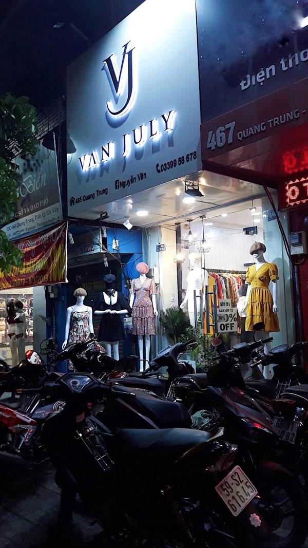 Cần sang gấp shop thời trang ngay mặt tiền