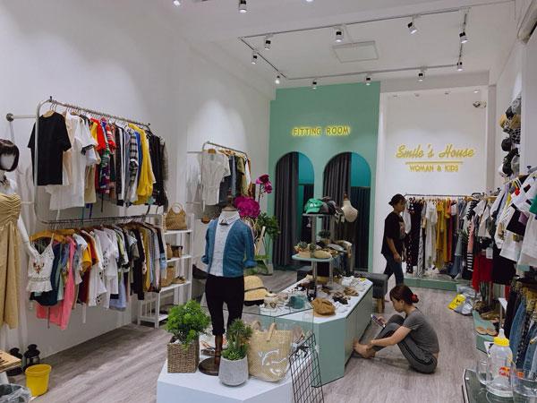 Sang nhượng Shop thời trang mới trang trí hoàn thiện