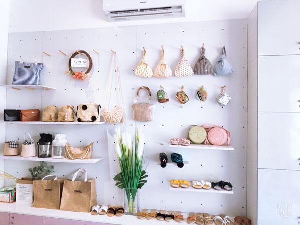 Sang mặt bằng showroom trưng bày giày