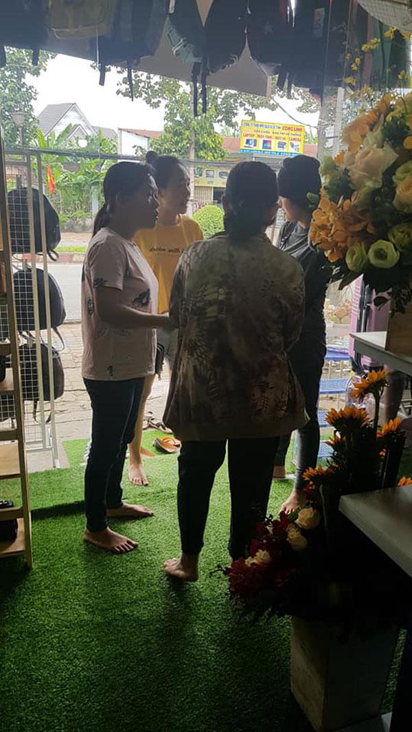 Cần sang gấp shop mặt tiền Huỳnh Văn Lũy
