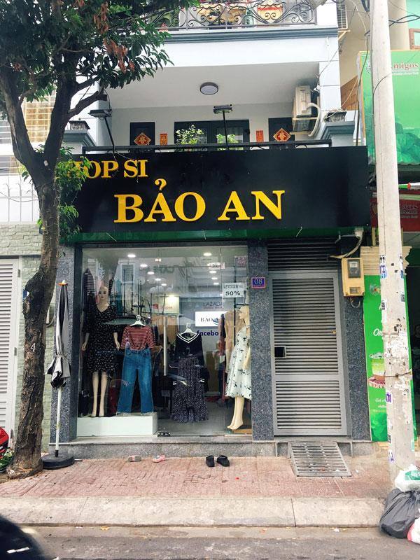 Sang lại gấp shop thời trang đang kinh doanh tốt.