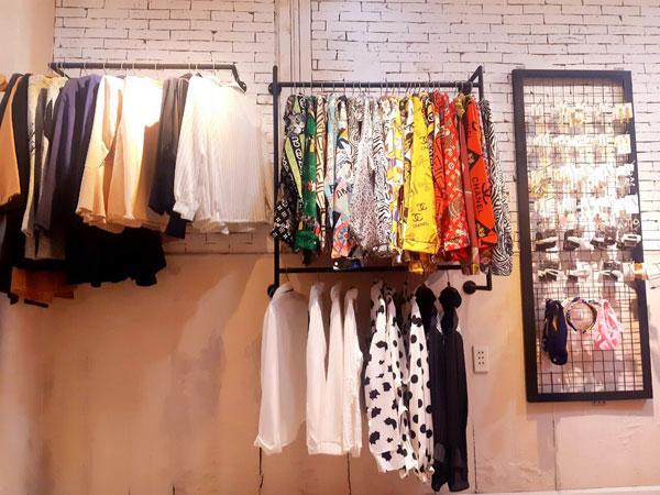 Cần sang gấp lại shop thời trang