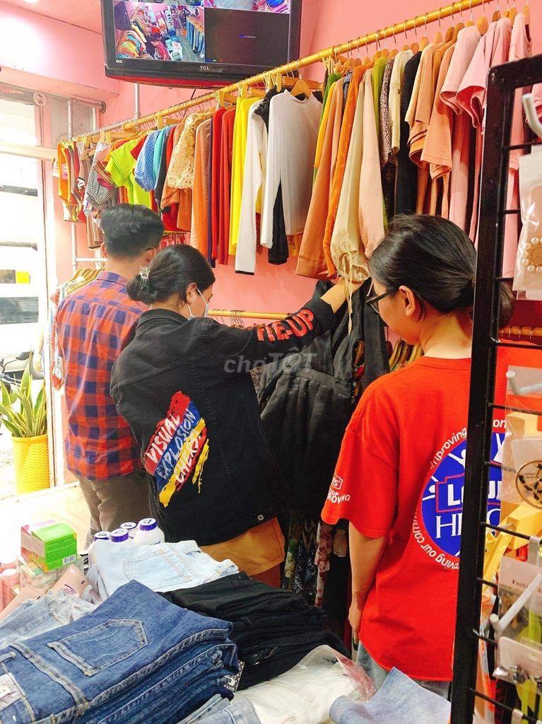 Sang shop quần áo mặt tiền đường Phạm Ngủ Lão