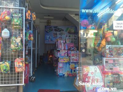 cần sang gấp shop đồ chơi trẻ em quận Tân Phú