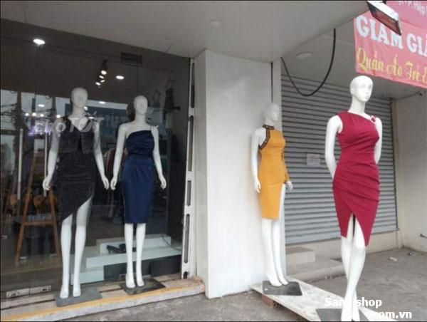 Cần sang gấp shop thời trang nữ quận 9