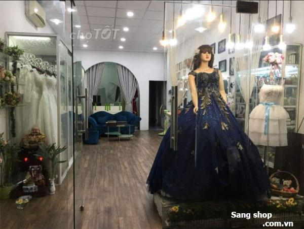 Cần sang lại mặt bằng tiệm áo cưới