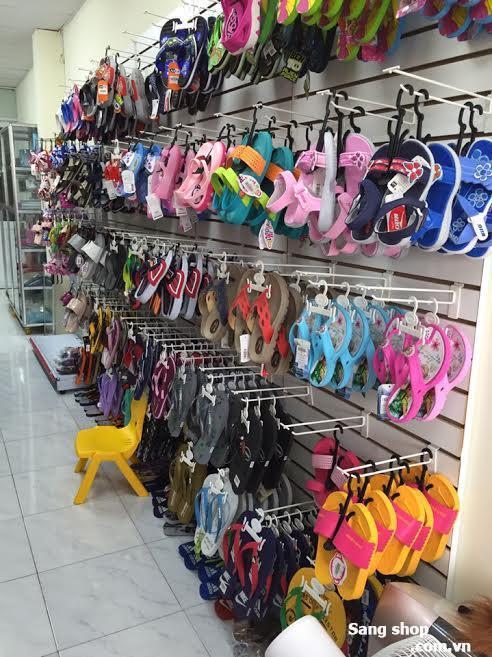Cần sang lại shop  giày dép Thái Lan
