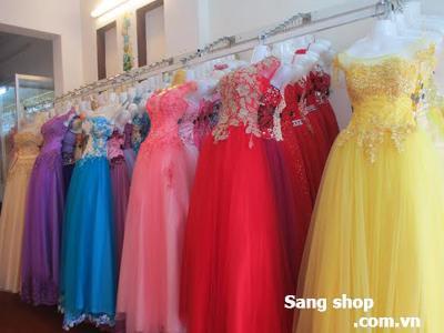 Cần sang lại tiệm áo cưới gấp