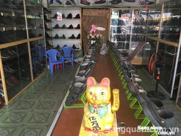 Cần sang nhượng shop giầy dép quận Tân Phú