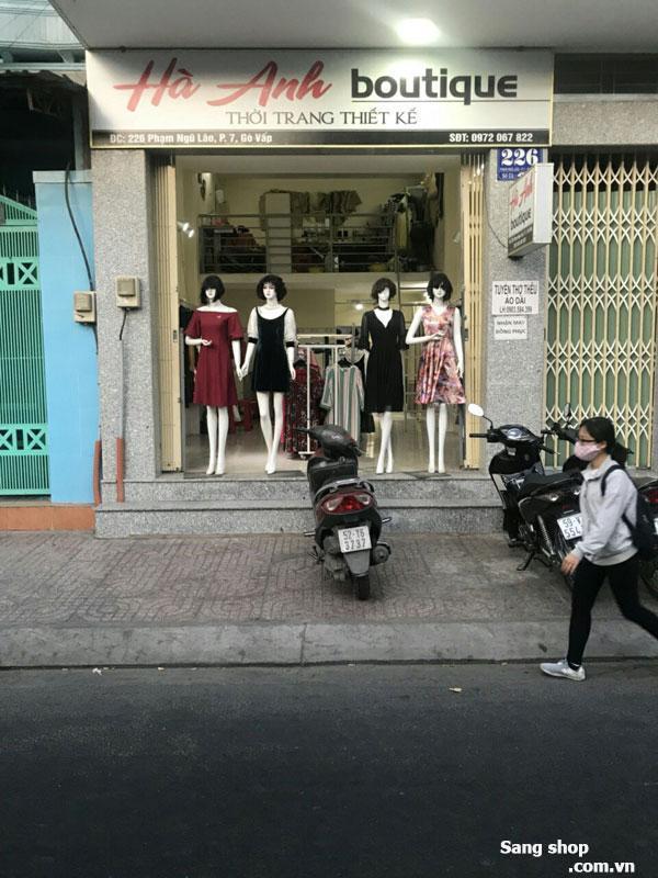 Cần sang nhượng shop thời trang nữ mặt tiền đường khu sầm uất