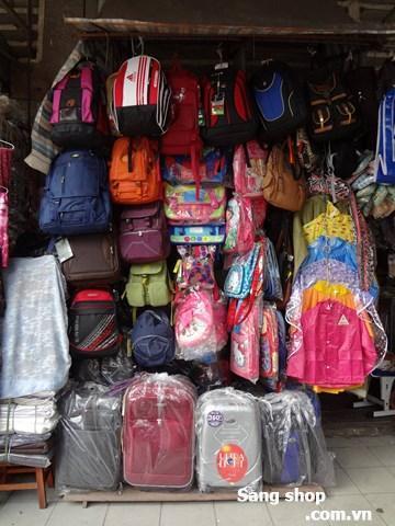 cần sang shop  đang bán vali, túi xách, áo mưa