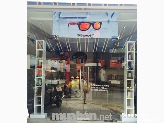 Cần sang shop thời trang mắt kính hàng thương hiệu