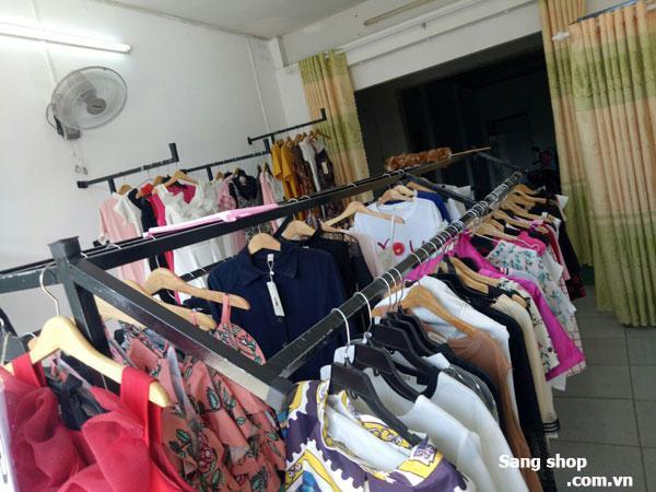 Cần sang shop thời trang ở Hóc Môn