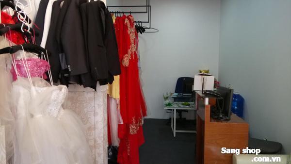 Cần sang tiệm áo cưới ngay mặt tiền đường Nguyễn Kiệm