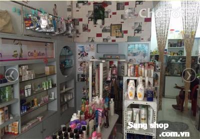 cần sang tiệm mỹ phẩm & các vật dụng trưng bày