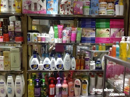Sang 3 sạp mỹ phẩm chợ Phú Trung, Tân Phú