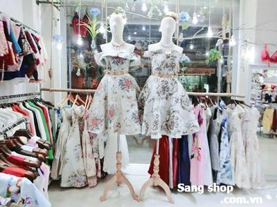 Sang gấp shop quần áo thời trang Quận 11