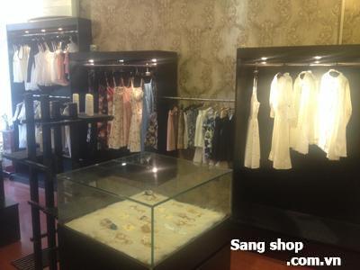 Sang gấp shop thời trang cao cấp quận Phú Nhuận
