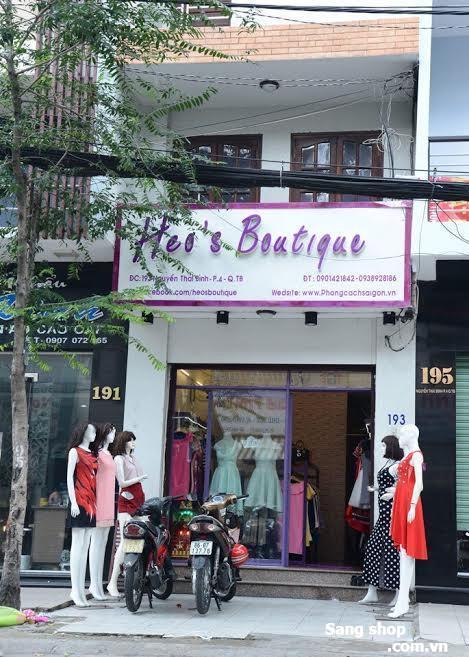 Sang gấp shop thời trang nữ ngay trung tâm mua sắm