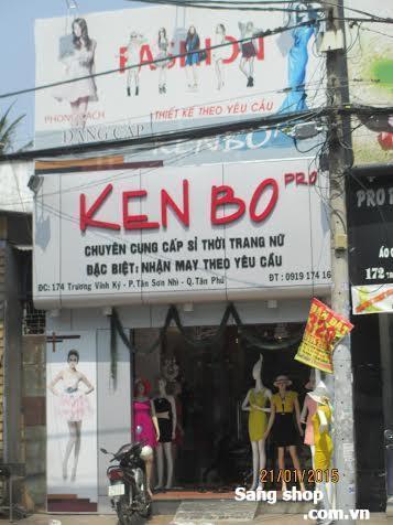 Sang gấp shop thời trang nữ quận Tân Phú