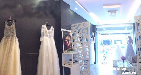 Xuất cảnh sang gấp tiệm studio áo cưới