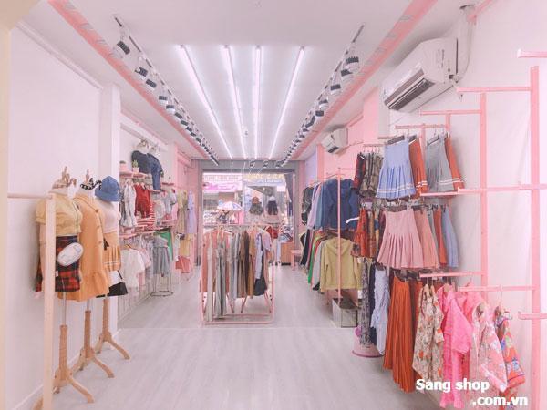 Sang lại shop thời trang , vị trí đẹp ,rất đông khách.