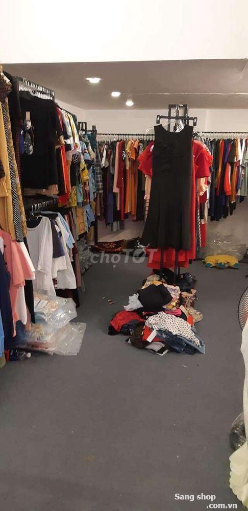 Sang mặt bằng kinh doanh bán quần áo