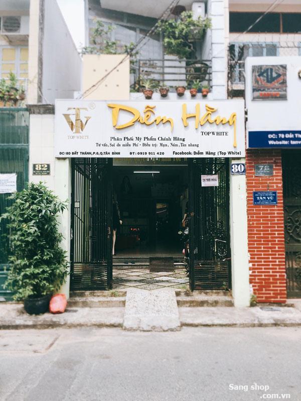 Sang mặt bằng shop mỹ phẩm quận Tân Bình