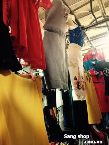 Sang sạp thời trang chợ Sơn Kỳ
