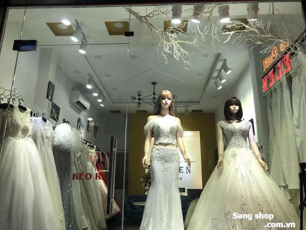 Sang shop áo cưới đang kinh doanh tốt vị trí đẹp