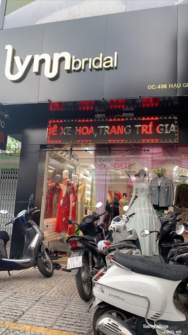 Sang shop áo cưới mặt tiền đường Hậu Giang
