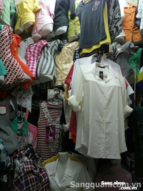 Sang shop bán quần áo trong chợ Vườn Chuối