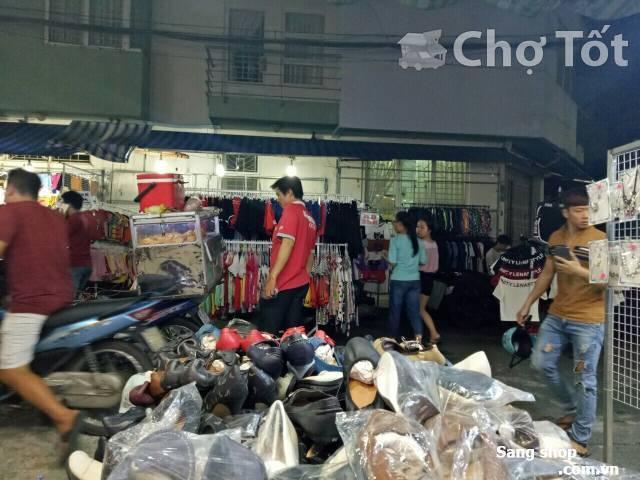 Sang shop giầy dép chợ Hạnh Thông Tây