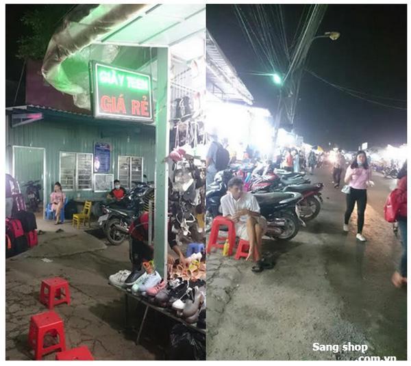 Sang Shop Giày lô1A khu chợ Đêm ĐHQG